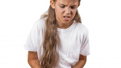 Mädchen mit Unterbauchschmerzen, Foto: © pathdoc – Fotolia.com